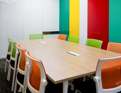 研发部小型会议室-1.jpg